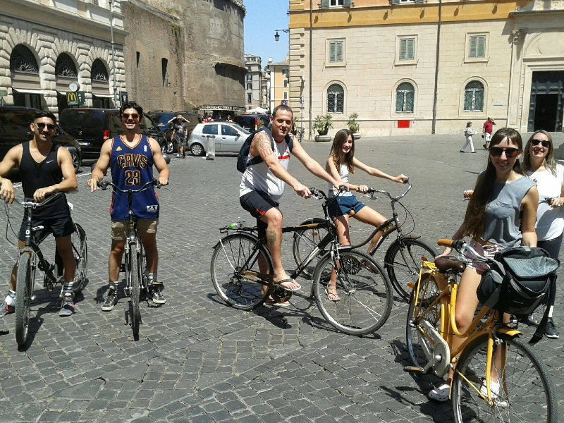 Biking tour in Rome - 4 hours 1