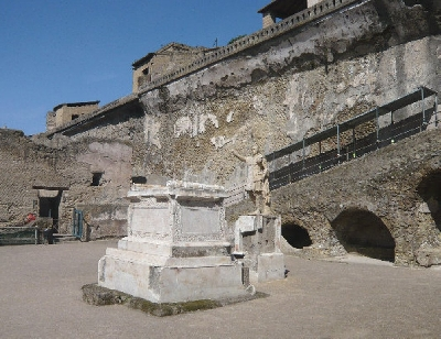 Half-Day Private Tour from Sorrento to Herculaneum Ruins