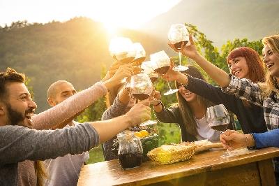 CHIANTI SHARED WINE TOUR – Half Day Tuscany Wine Tour the famous Chianti Wine Region
