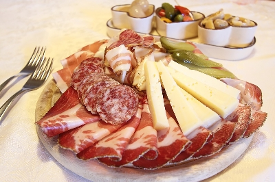 Private Wine Tasting & Tuscan Light Lunch - Food and Drinks included